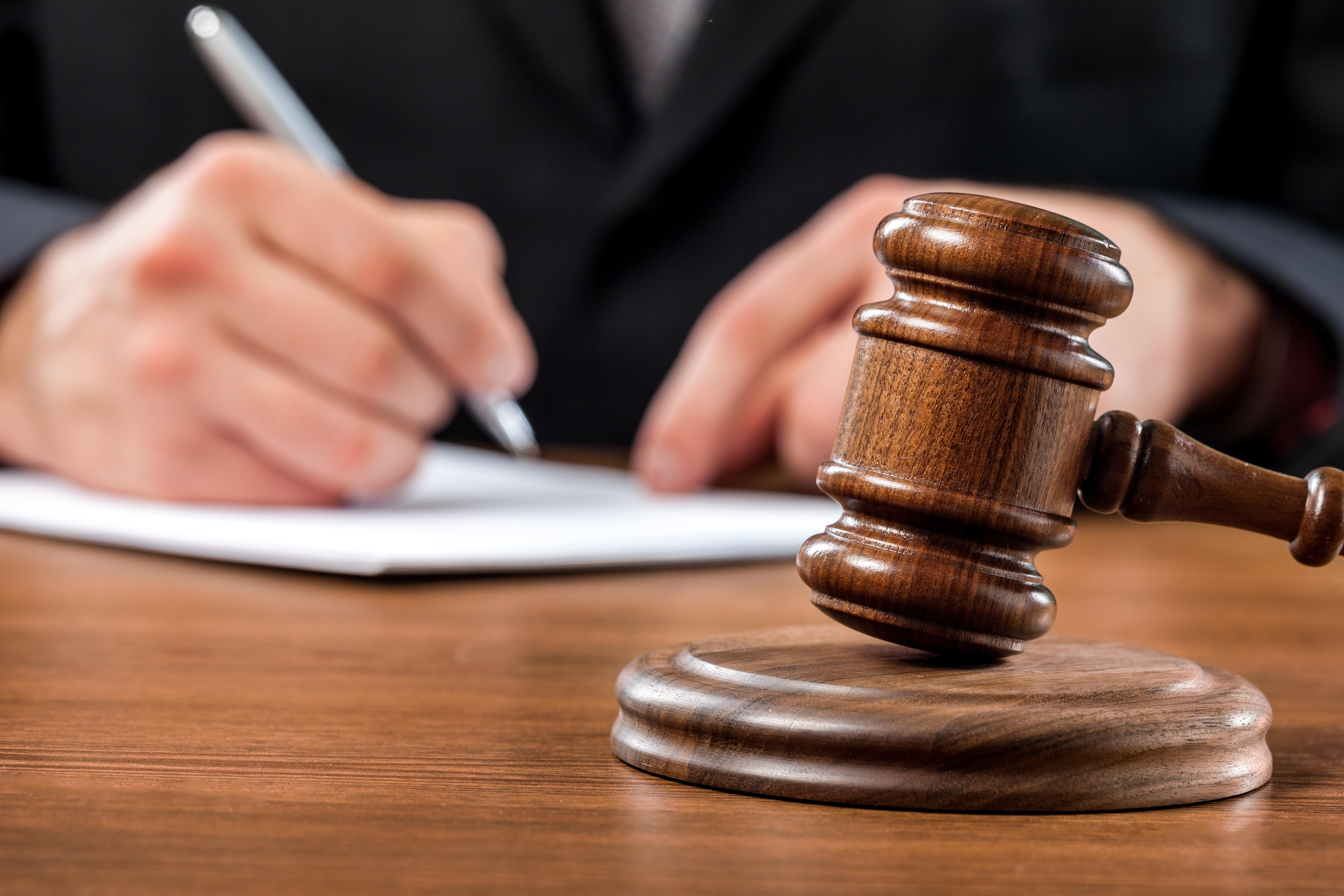 地裁判決【宝飾店舗の賃貸借について、定期建物賃貸借の事前説明があったと認められた事例】